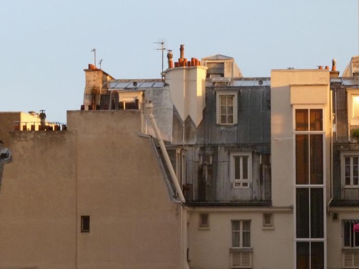 Toits dans le 12ème arrondissement : lever de soleil