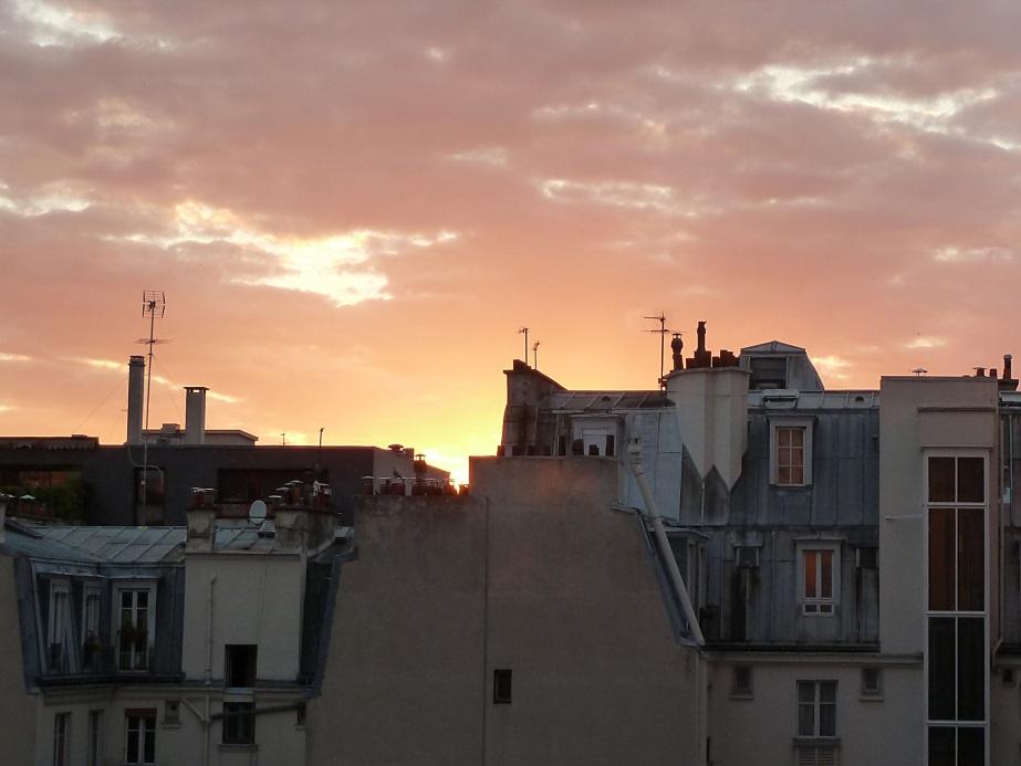 Toits dans le 12ème arrondissement : coucher de soleil