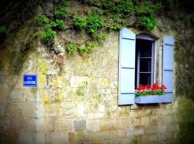 """Le """"gîte"""", printemps-été 2012, coin rue de la Bretagne / chemin de la Reine"""