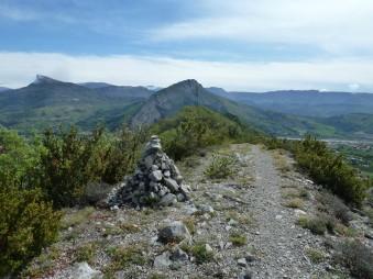 Crête du Molard, en regardant vers Sisteron