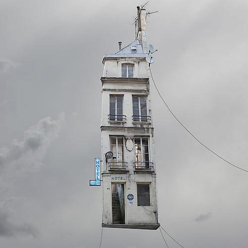"""""""Flying House"""" de Laurent Chéhère"""